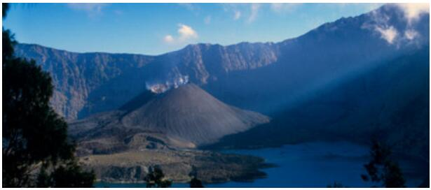 ATTRACTIONS OF LOMBOK